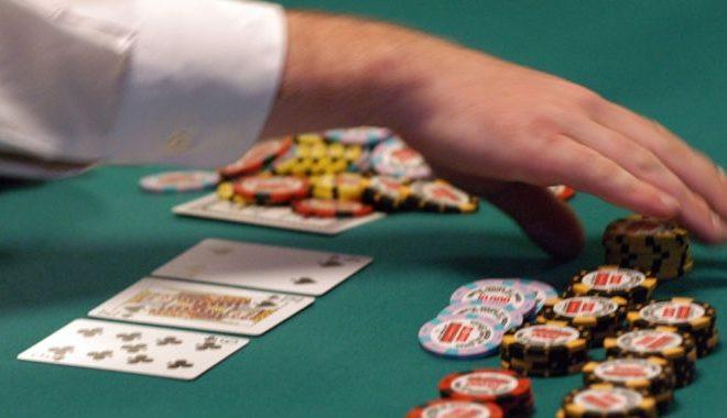 A few poker tips to beginners
